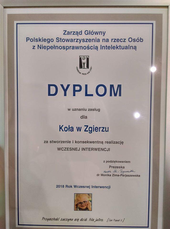 Zdjęcie dyplom za stworzenie i konsekwentną realizację Wczesnej Interwencji